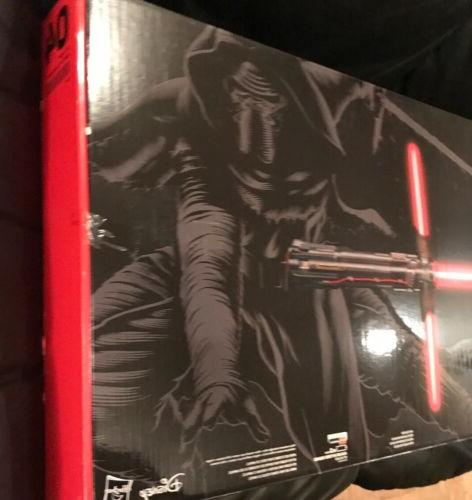 NEW Star Wars Black Kylo Force Fx Deluxe B3925!